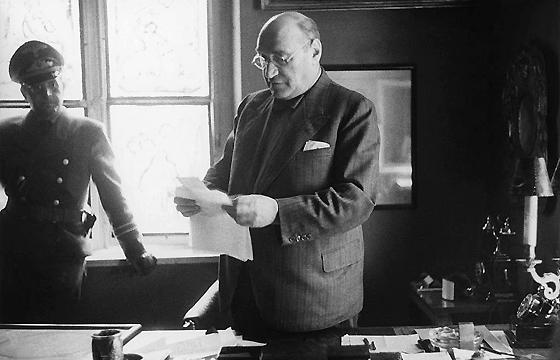 Adam Czerniaków v kancelárii